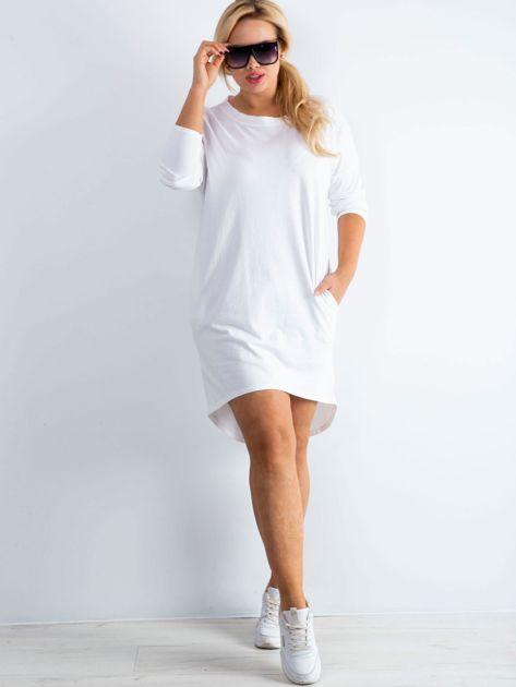 Biała sukienka oversize z bawełny                              zdj.                              4