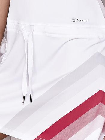 Biała sukienka sportowa z czerwonymi wstawkami                                  zdj.                                  6