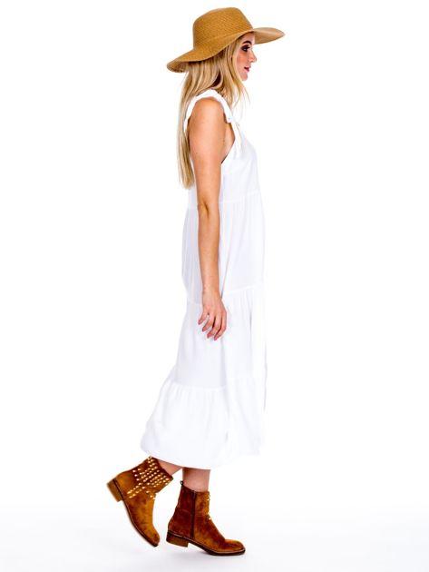 Biała sukienka wiązana na ramionach                              zdj.                              3