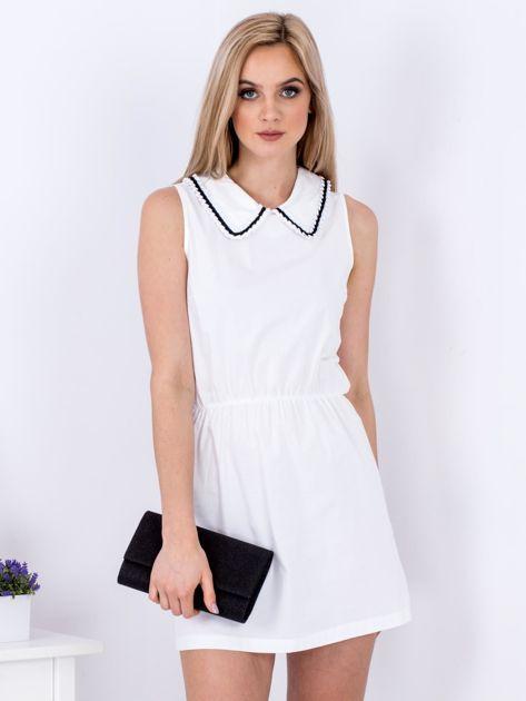 Biała sukienka z kołnierzykiem                               zdj.                              1