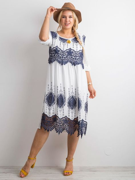 Biała sukienka z koronką PLUS SIZE