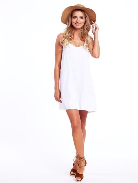 Biała sukienka z plecionymi ramiączkami                              zdj.                              4