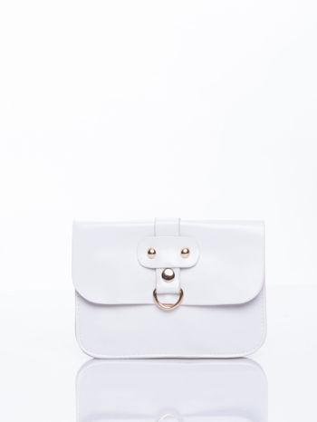 Biała torebka listonoszka z klapką
