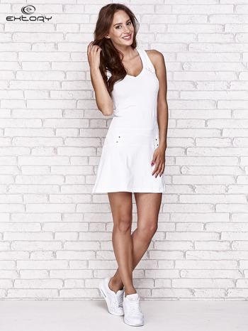 Biała trapezowa sukienka sportowa                                   zdj.                                  2