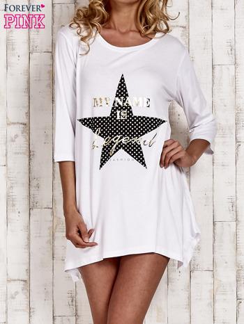 Biała tunika dresowa z printem gwiazdy                                  zdj.                                  1
