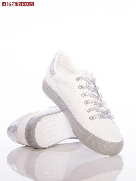 Białe ażurowe trampki Big Star ze srebrnymi sznurówkami i szarymi podeszwami                              zdj.                              4