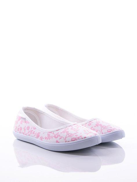 Białe baleriny w różowe kwiatki                                zdj.                              2