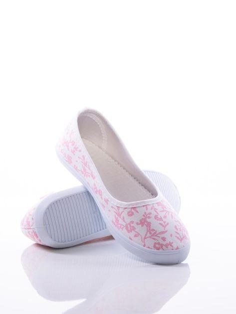 Białe baleriny w różowe kwiatki                                zdj.                              3