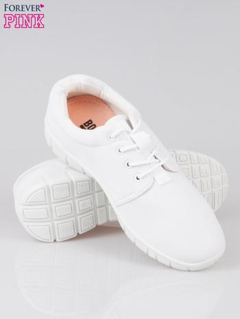 Białe buty sportowe textile Superior na podeszwie flex                                  zdj.                                  4