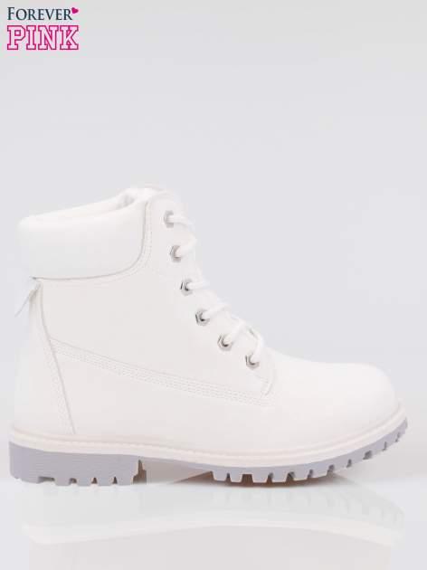 Białe buty trekkingowe damskie traperki