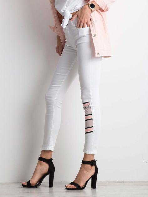 Białe jeansy Totally                              zdj.                              3