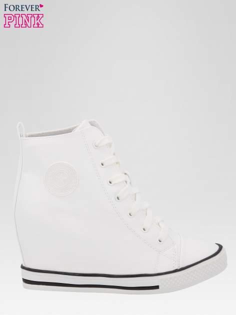Białe klasyczne sneakersy damskie                                  zdj.                                  1