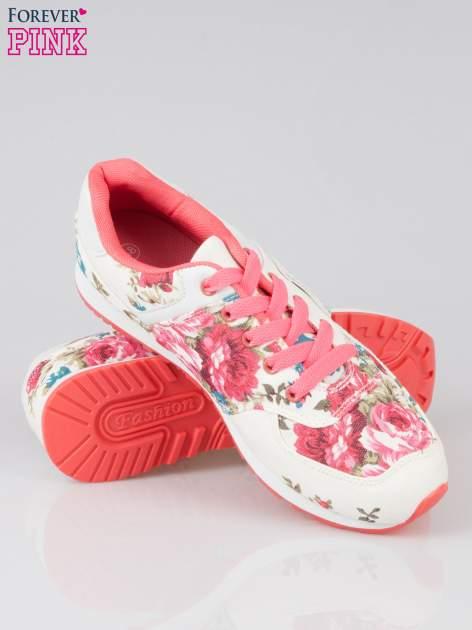Białe kwiatowe buty sportowe faux leather Carry On w stylu casual                                  zdj.                                  4