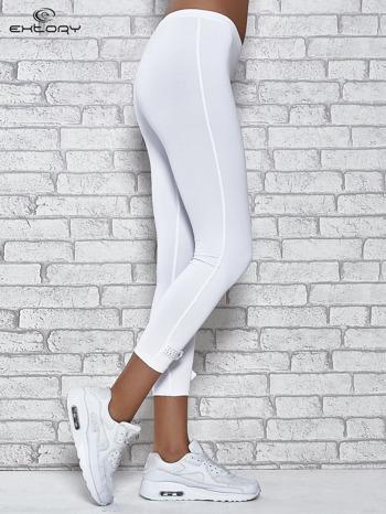 Białe legginsy sportowe termalne z patką z dżetów                                  zdj.                                  2