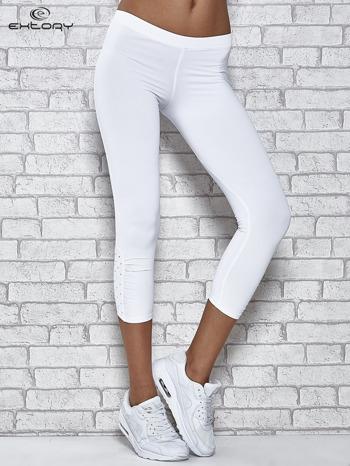 Białe legginsy sportowe z dżetami na dole nogawki                                  zdj.                                  1