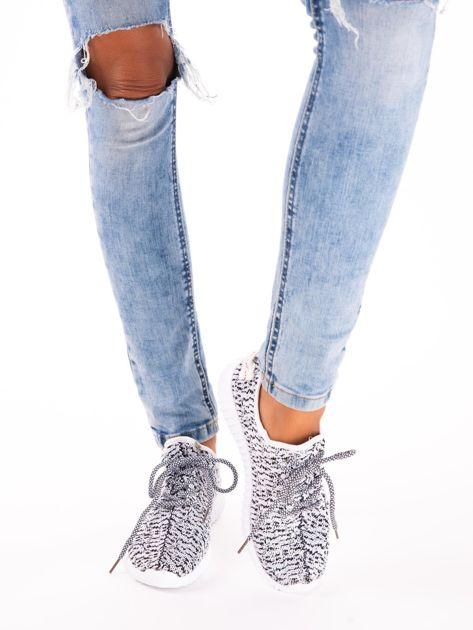 Białe marmurkowe buty sportowe pattern z tkaniny z uchwytem z tyłu                               zdj.                              2