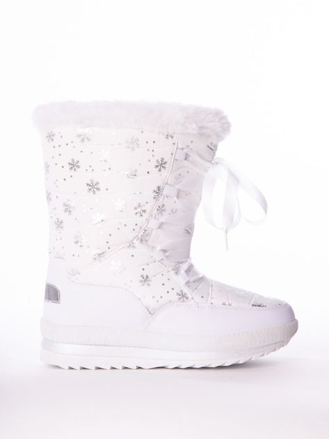 Białe pikowane śniegowce w srebrne gwiazdki sznurowane tasiemką                              zdj.                              1