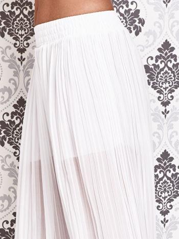 Białe plisowane spodnie palazzo                                   zdj.                                  4