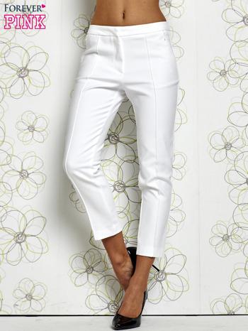 Białe spodnie cygaretki z wszytymi kieszeniami                                  zdj.                                  1
