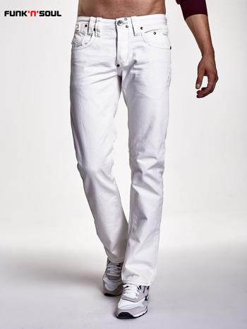 Białe spodnie męskie z ozdobnymi napami Funk n Soul                                  zdj.                                  1