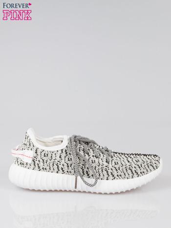 Białe sportowe buty textile Blossom z czarnym nadrukiem                                  zdj.                                  1