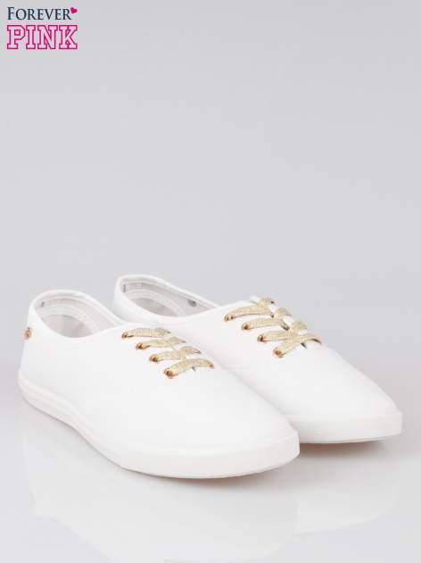 Białe tenisówki ze złotymi sznurowadłami Malibu                                  zdj.                                  2