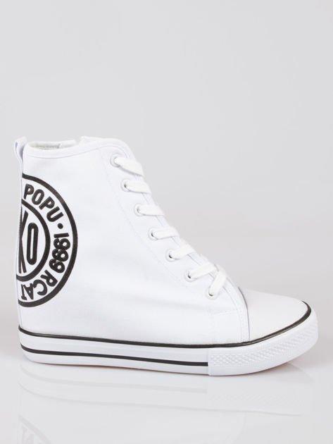 Białe trampki na koturnie sneakersy z logo Joann                              zdj.                              1