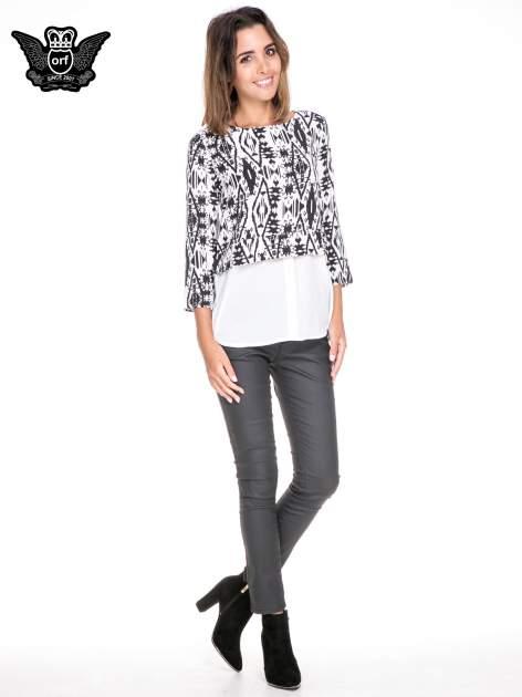 Biało-czarna dwuwarstwowa koszula we wzór ornamentowy                                  zdj.                                  2
