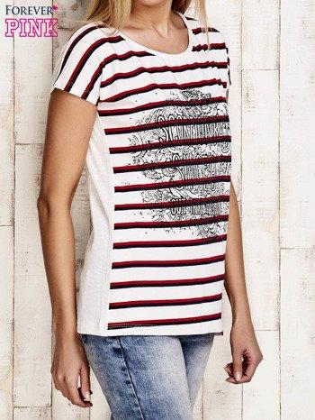 Biało-czerwony t-shirt w paski z napisem SCORPION BAY                                  zdj.                                  3