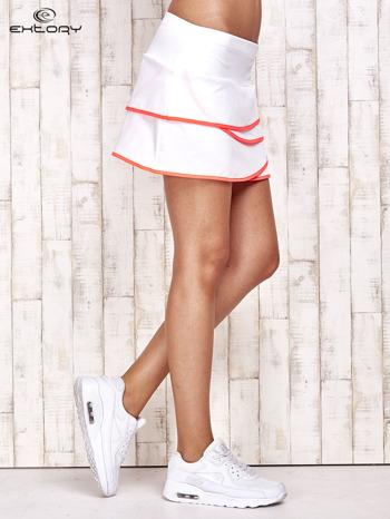 Biało-koralowe spodenki spódniczka tenisowa z falbankami                                  zdj.                                  3