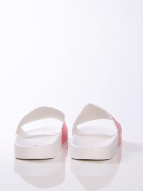 Biało-różowe klapki z ozdobnym nadrukiem w flamingi                               zdj.                              5