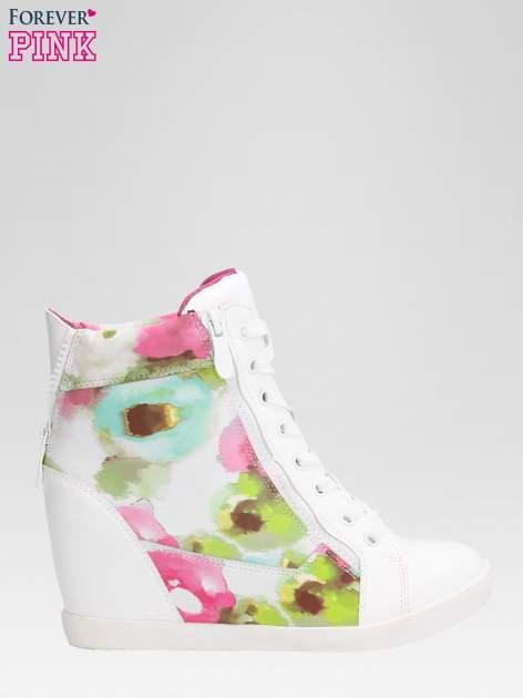 Biało-różowe sneakersy damskie z motywem floral                                  zdj.                                  1