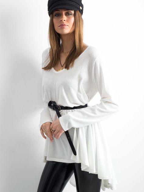 Biały asymetryczny sweter                               zdj.                              3