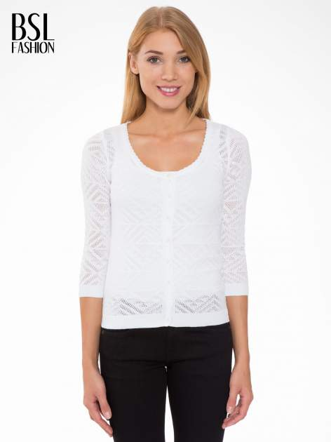 Biały ażurowy sweter kardigan na guziki