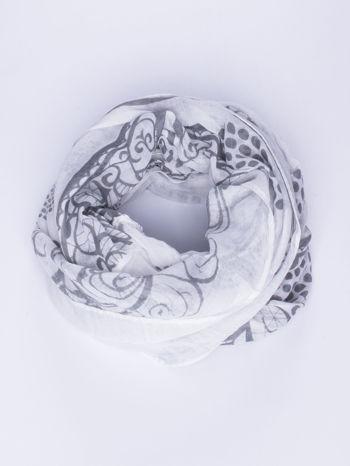 Biały komin w dekoracyjny abstrakcyjny wzór                                  zdj.                                  2