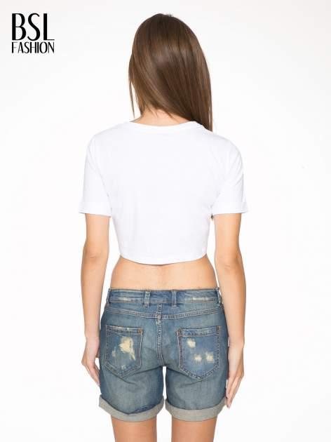Biały krótki t-shirt przed pępek z napisem BALLIN PARIS                                  zdj.                                  4