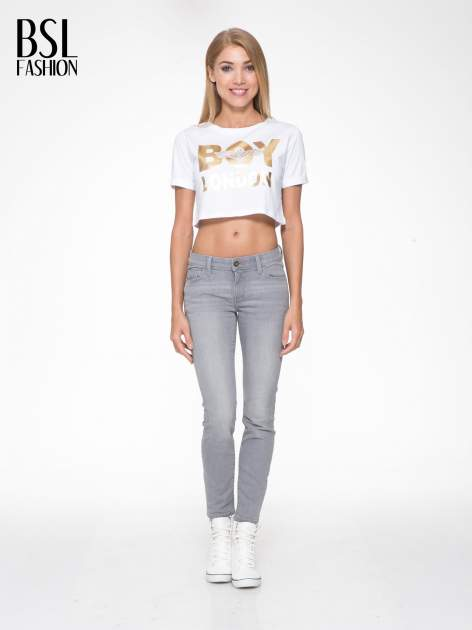 Biały krótki t-shirt przed pępek z napisem BOY LONDON                                  zdj.                                  5