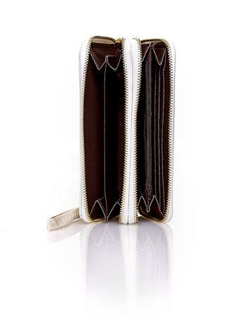 Biały lakierowany portfel z uchwytem na rękę                                  zdj.                                  3