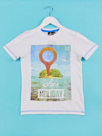 Biały t-shirt chłopięcy z nadrukiem LET'S GO FOR HOLIDAY                                  zdj.                                  1