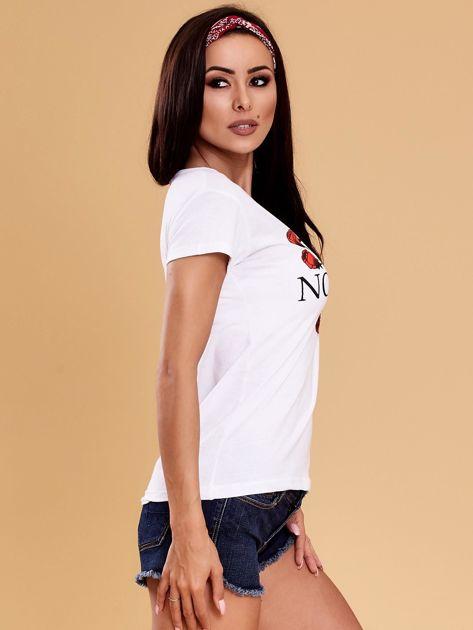 Biały t-shirt damski NOTHING                              zdj.                              3