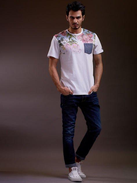 Biały t-shirt męski w kwiaty FUNK N SOUL                              zdj.                              4