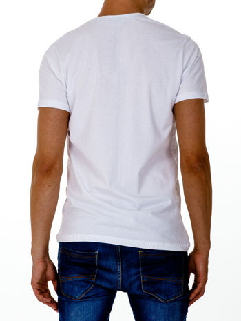 Biały t-shirt męski z nadrukiem napisów w sportowym stylu                                  zdj.                                  3