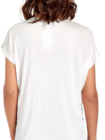 Biały t-shirt w granatowe paski                                  zdj.                                  6