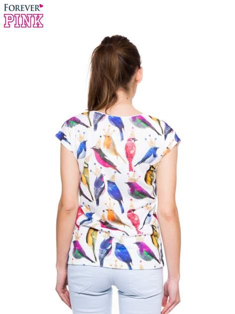 Biały t-shirt w kolorowe ptaszki                                  zdj.                                  3