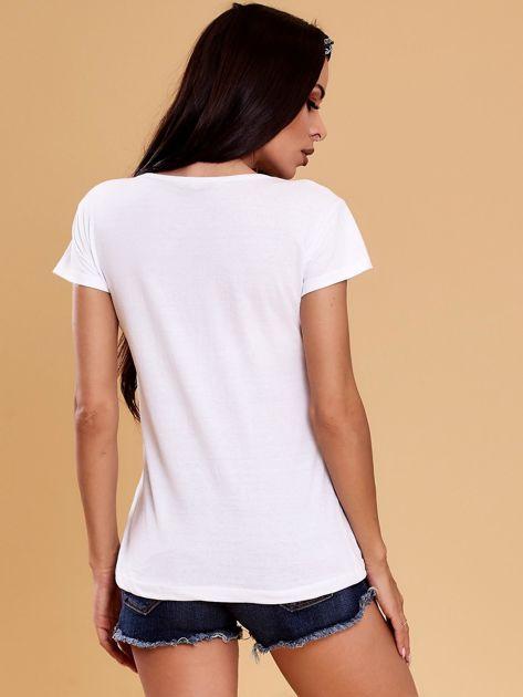 Biały t-shirt z buldożkiem                              zdj.                              2