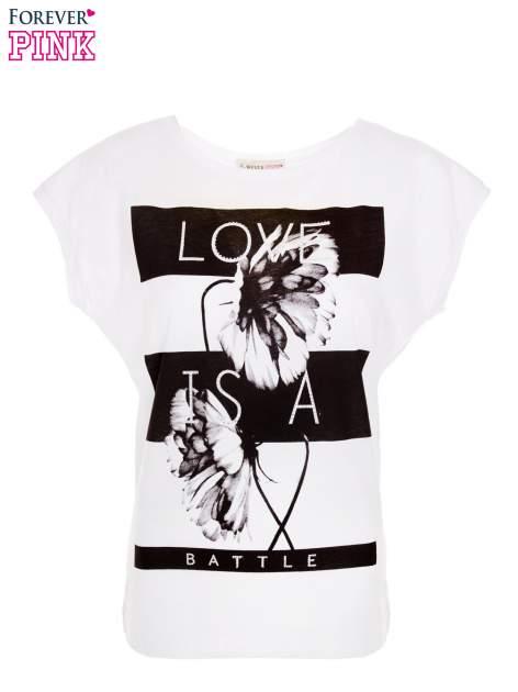 Biały t-shirt z czarnym nadrukiem                                  zdj.                                  1