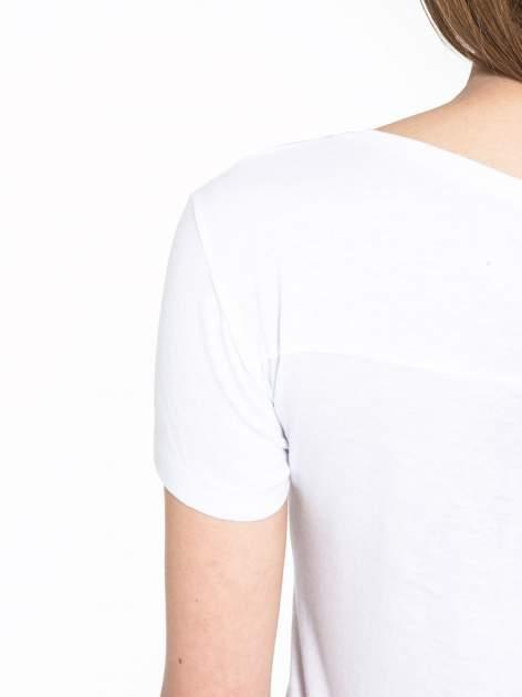 Biały t-shirt z fotografiami miast                                  zdj.                                  8