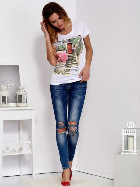 Biały t-shirt z fotograficznym nadrukiem                                  zdj.                                  4