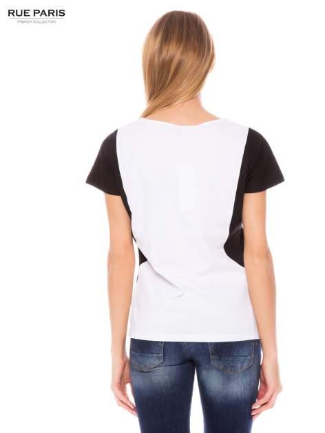 Biały t-shirt z kontrastowymi wstawkami na ramionach                                  zdj.                                  3