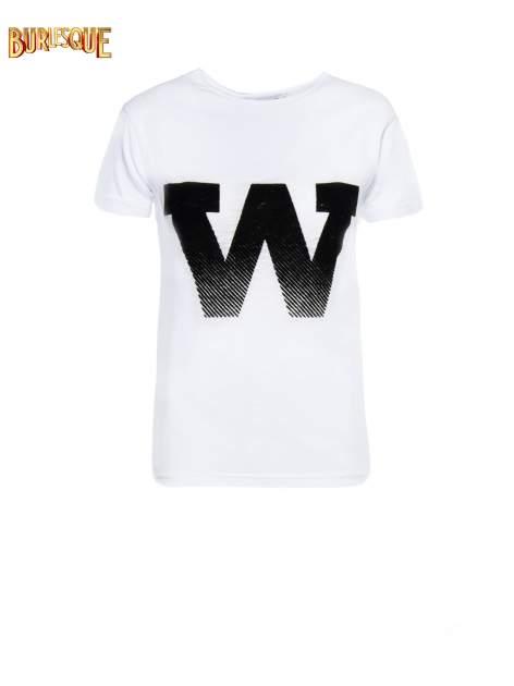 Biały t-shirt z literą W                                  zdj.                                  6